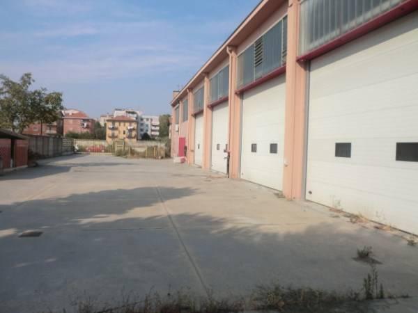 Capannone in vendita a Buccinasco, 9999 locali, prezzo € 680.000 | PortaleAgenzieImmobiliari.it