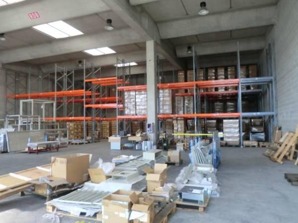 Capannone in vendita a Casarile, 9999 locali, zona hera, prezzo € 350.000 | PortaleAgenzieImmobiliari.it