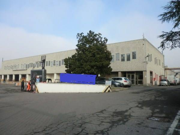 Magazzino in vendita a Buccinasco, 9999 locali, Trattative riservate | PortaleAgenzieImmobiliari.it