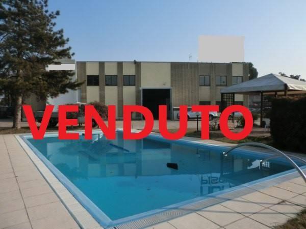 Capannone in vendita a Assago, 9999 locali, zona Località: CENTRO, Trattative riservate   CambioCasa.it