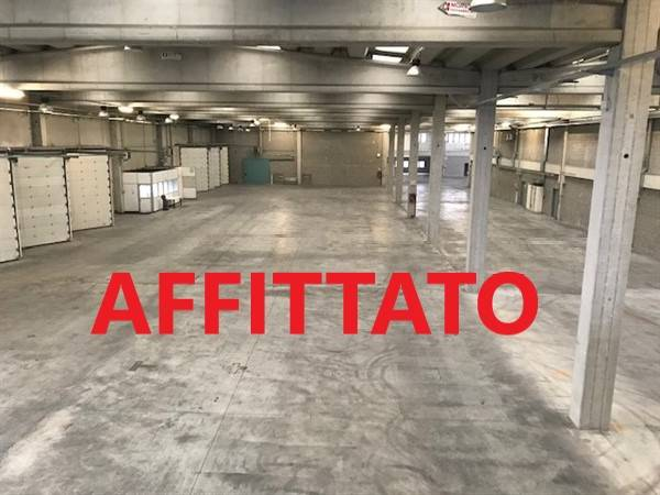 Capannone in affitto a Vellezzo Bellini, 9999 locali, zona Zona: Giovenzano, prezzo € 240.000 | CambioCasa.it