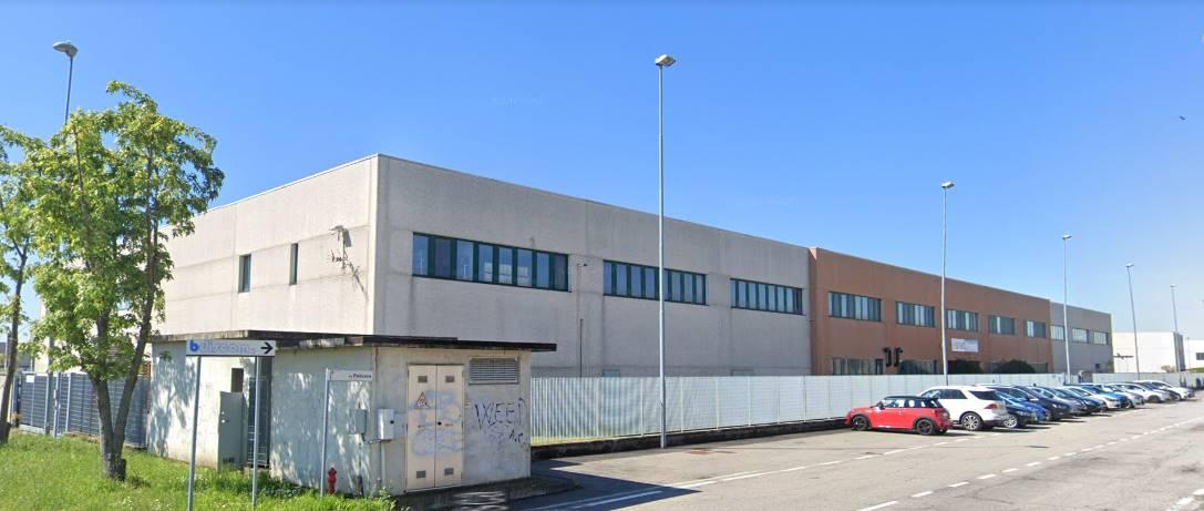 Capannone in vendita a Vellezzo Bellini, 9999 locali, prezzo € 5.000.000 | CambioCasa.it