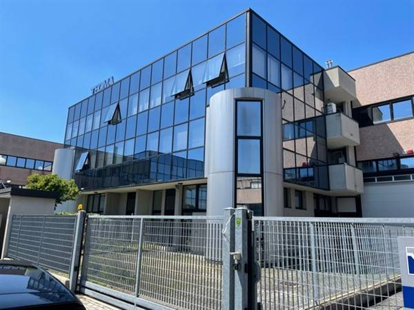 Capannone in affitto a Assago, 9999 locali, zona Località: CENTRO, prezzo € 3.750 | PortaleAgenzieImmobiliari.it
