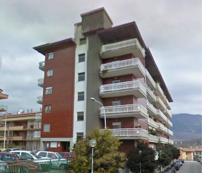 Trilocale in Viale Dei Pentri in zona Semicentro a Isernia