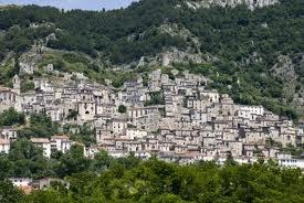 Casa semi indipendente in Via Arciprete Biondi a Pesche