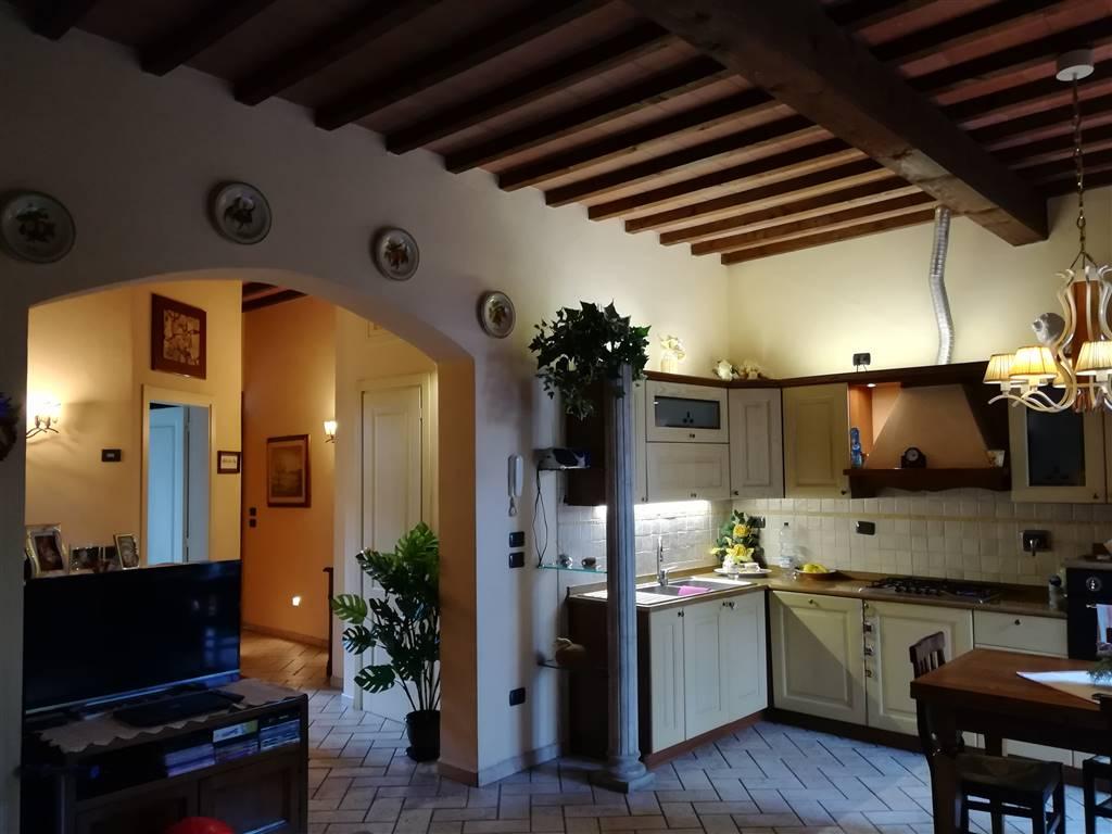 Quadrilocale in Via Pistoiese, Narnali, Prato