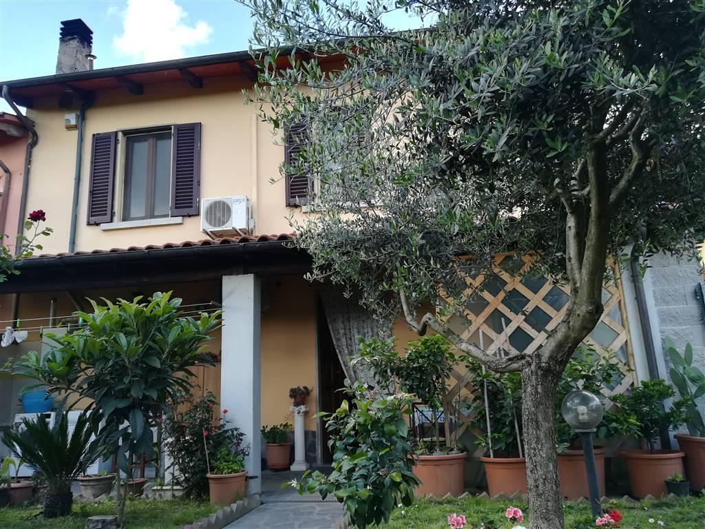 Terratetto in Via Castruccio 100, Iolo, Prato