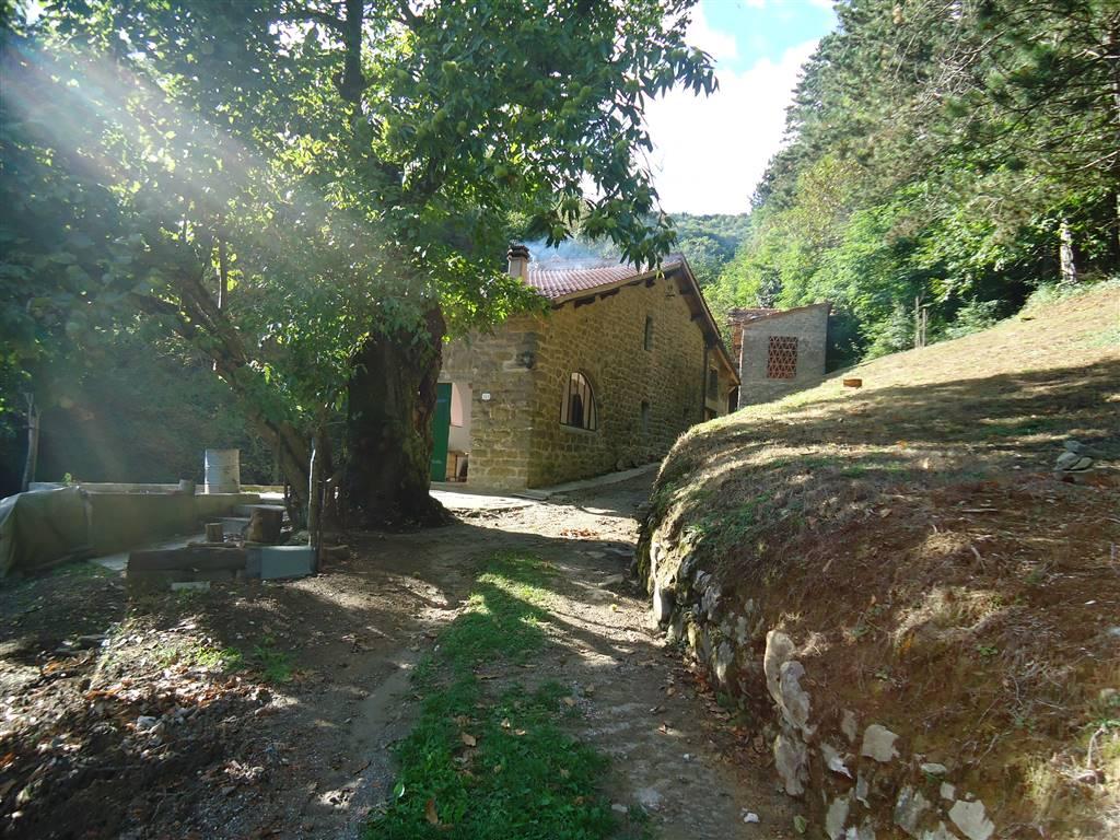 Rustico / Casale in vendita a Vernio, 5 locali, zona Zona: Montepiano, prezzo € 145.000 | CambioCasa.it