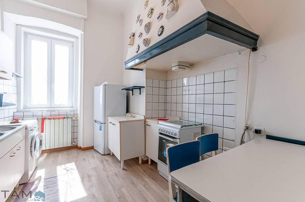 Appartamento in vendita a Trieste, 4 locali, zona Località: ROSSETTI-PICCARDI, prezzo € 133.000 | CambioCasa.it