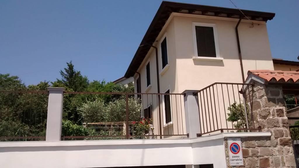 Casa singola in Via Alle Tre Croci 2, Trieste