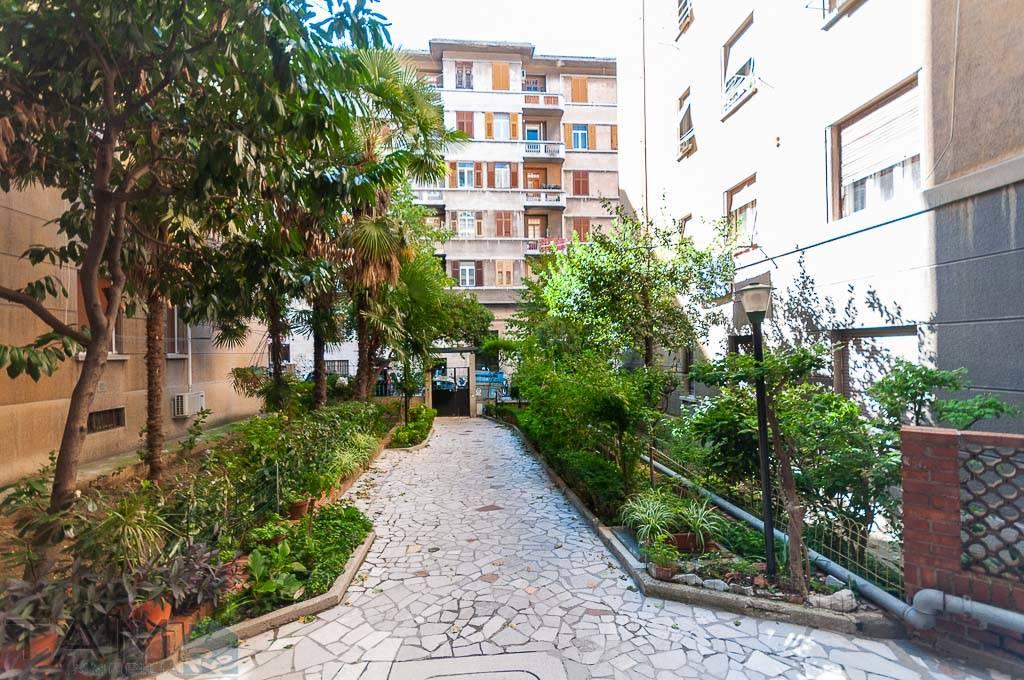 Appartamento in vendita a Trieste, 3 locali, zona Località: SETTE FONTANE, prezzo € 79.000 | CambioCasa.it