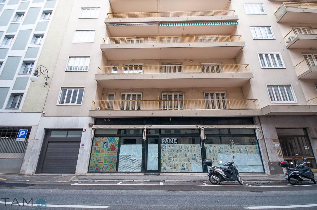 Negozio / Locale in affitto a Trieste, 1 locali, zona Località: BORGO TERESIANO, prezzo € 1.200 | CambioCasa.it
