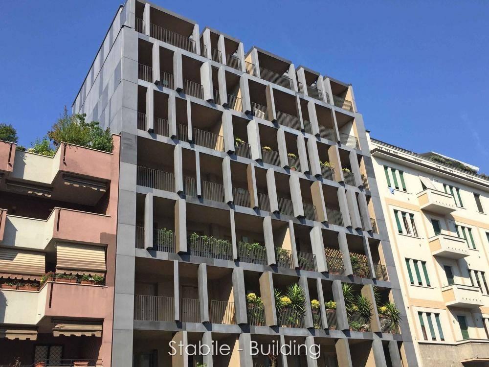 Milano, Porta Romana,  CADORE (Via M. Campionesi) vendesi in classe A ottimo 4 locali con terrazzi: Ingresso, soggiorno con terrazzo, cucina