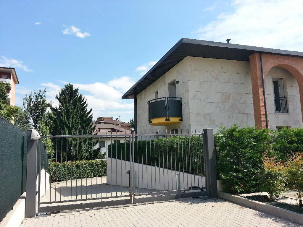 VENDESI TRILOCALE di PREGIO 125 mq ca. in CENTRO LOMAGNA - CLASSE A+ l'appartamento (rif 6b) in palazzina eco-sostenibile con impianto geotermico