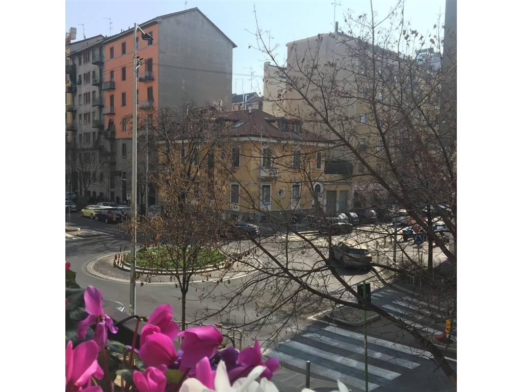Ad.ze p.zza Leonardo da Vinci, Città studi, ottimo 5 locali molto luminoso composto da ingresso, ampio soggiorno, cucina abitabile, 4 camere, grande