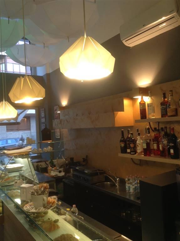 VENDITA BAR in Milano Città studi, ottimo affare Vendita Bar in Milano Città Studi con alcuni posti esterni. Il bar è in posizione interessante in