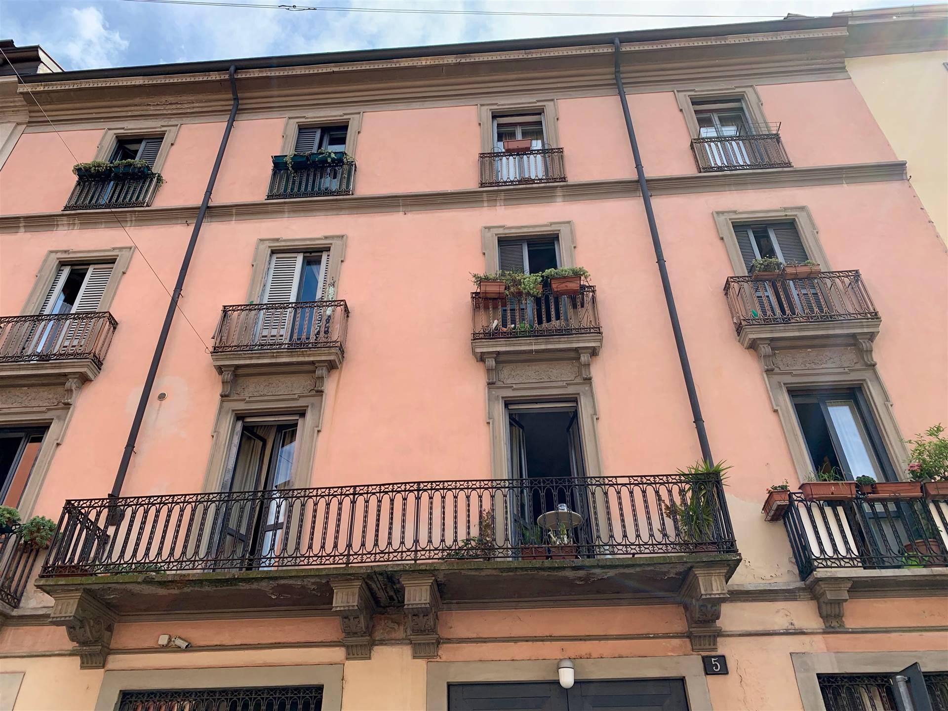 Milano, zona Isola, quartiere trendy caratterizzato da graffiti e stradine ricche di boutique alla moda, alimentari biologici e negozi dell'usato.