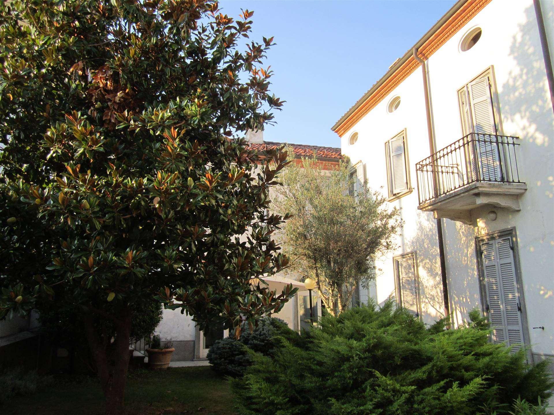 Soluzione Indipendente in vendita a San Salvatore Monferrato, 21 locali, prezzo € 780.000 | PortaleAgenzieImmobiliari.it