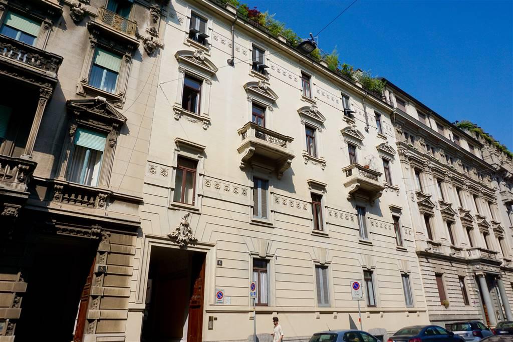 VIA MICHELE BAROZZI, 6; Elegante 3 locali. In una delle zone residenziali più raffinate di Milano, a pochi passi dal quadrilatero della moda e dal