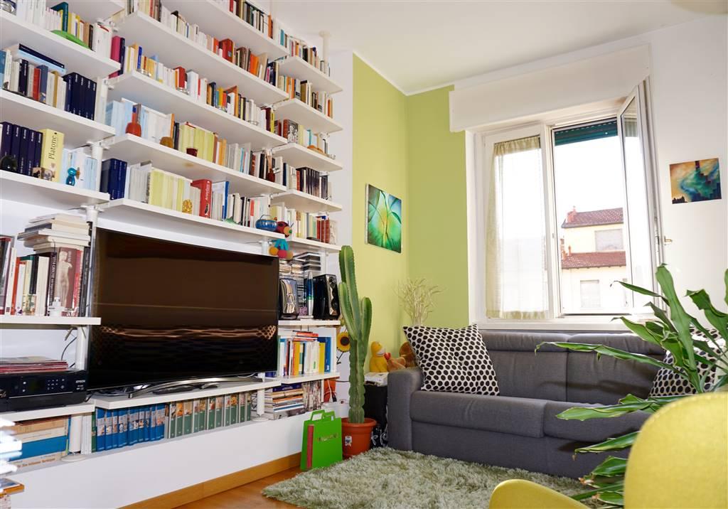 PORTA VERCELLINA, 4; Grazioso e ampio bilocale con balconi, cantina. ZONA MAGENTA / BARACCA / VERCELLI: In una delle zone residenziali più ricercate