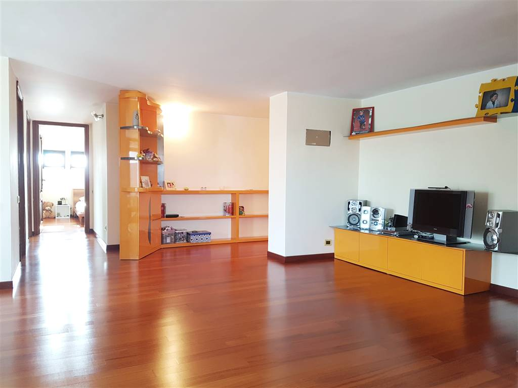 S. SIRO, MILANO, Apartment for sale of 127 Sq. mt., Restored, Heating Centralized, Energetic class: G, Epi: 182,17 kwh/m2 year, placed at 6° on 6,