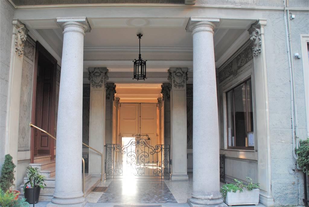 WASHINGTON /VIA PIRANDELLO Posizione: Ottima. L'appartamento si trova in una zona centrale di Milano molto richiesta, sia per il suo abitato:
