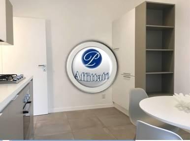 PIAZZA PIEMONTE ADIACENZE/VIA WASHINGTON L'appartamento: (DISPONIBILE DAL 15 NOVEMBRE) è situato al quinto piano di uno stabile residenziale di