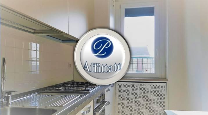 Posizione: L'appartamento si colloca in una zona centrale di Milano, ben collegata grazie alla metropolitana linea rossa fermata Wagner e da numerose