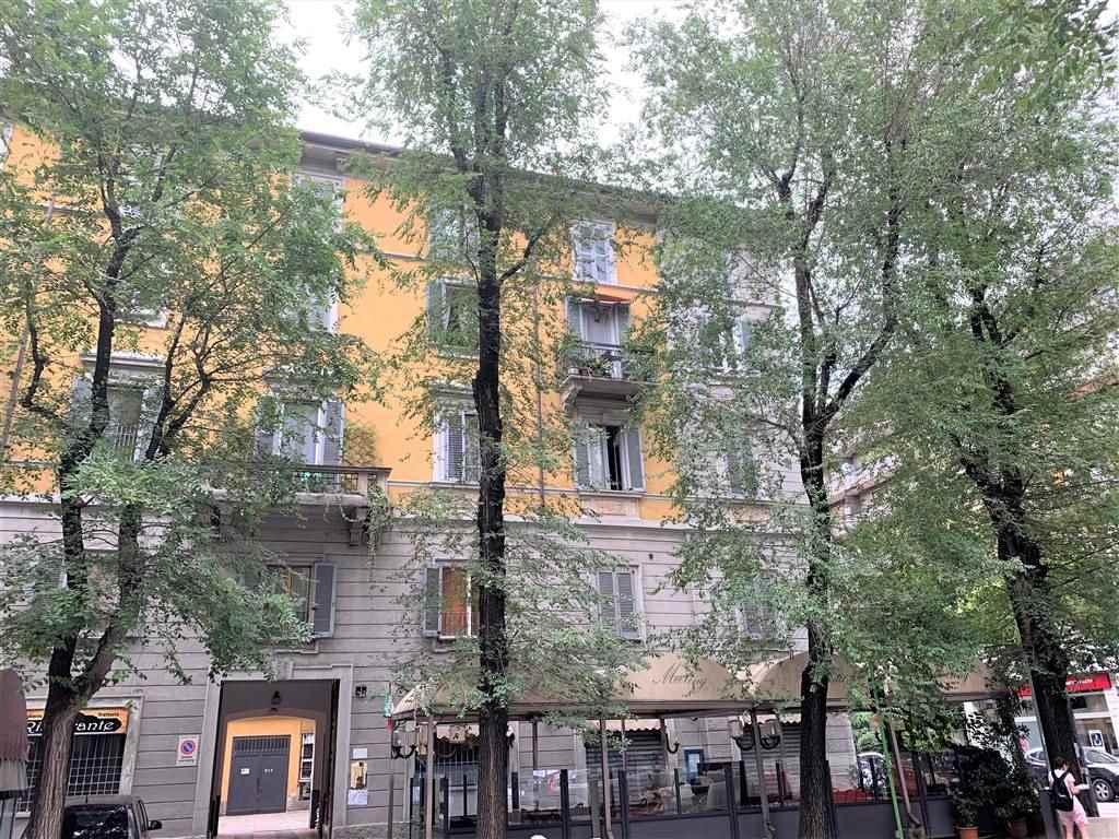 MM BUONARROTI Posizione: Veramente ottima. L'appartamento è inserita in uno del quartieri più belli della città, caratterizzato da abitazioni d'epoca,