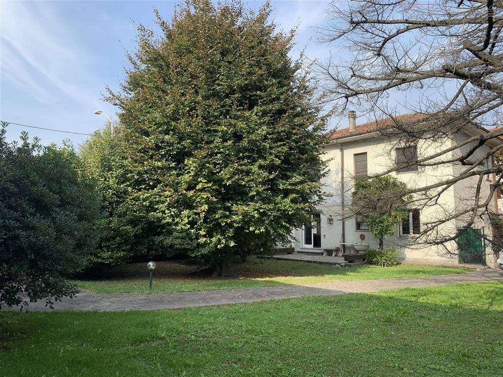 Villa in Nazionale Dei Giovi 58, Camnago, Lentate Sul Seveso