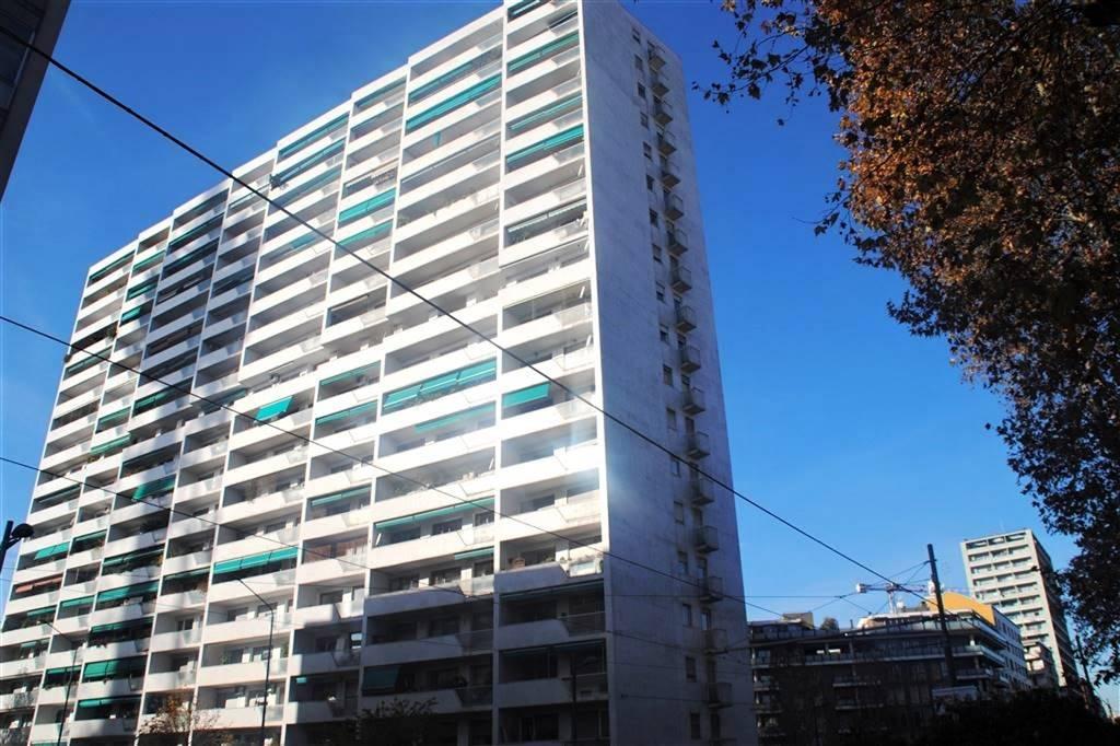 CORSO SEMPIONE Posizione: Ottima: Corso Sempione e una delle arterie storiche più importanti della città di Milano; a pochi passi dall'Arco della