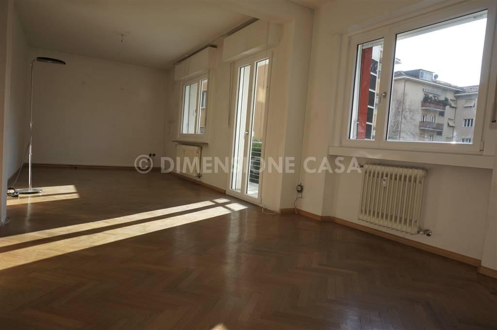 Appartamento in Via Tre Santi, Bolzano
