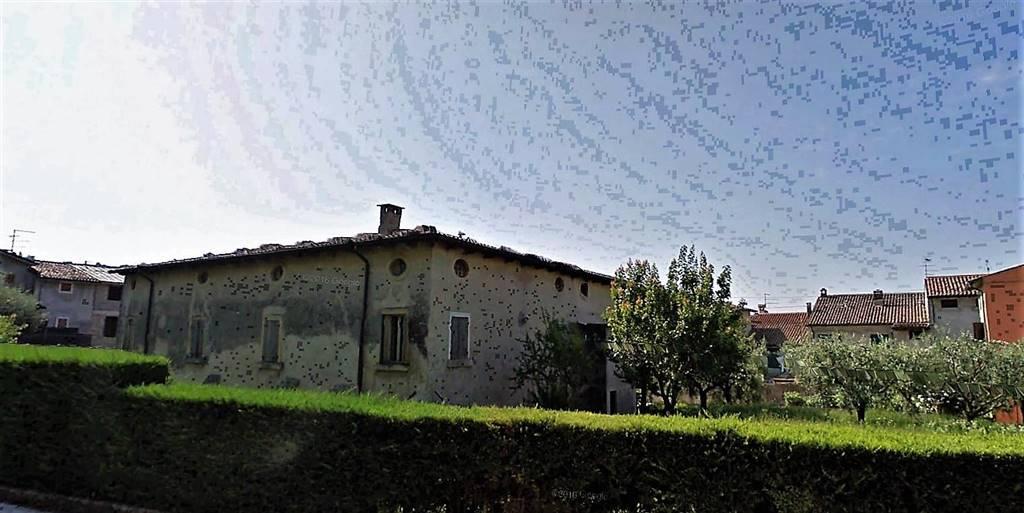 Rustico / Casale in vendita a San Pietro in Cariano, 10 locali, zona Zona: San Floriano, Trattative riservate | CambioCasa.it