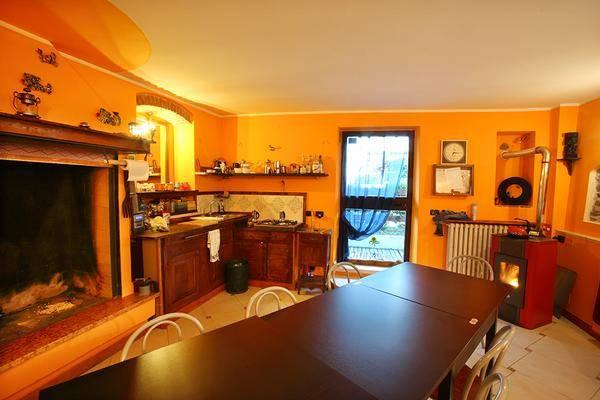 Rustico / Casale in vendita a Bussolengo, 6 locali, prezzo € 250.000 | CambioCasa.it