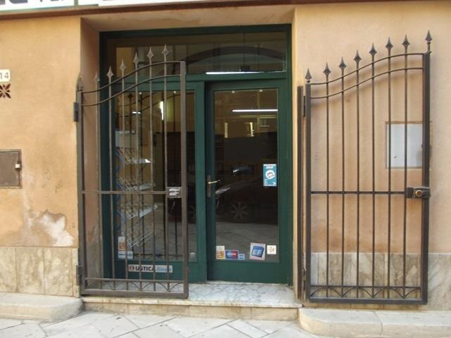 Ufficio / Studio in affitto a Marsala, 1 locali, zona Località: CENTRO STORICO, prezzo € 350 | CambioCasa.it
