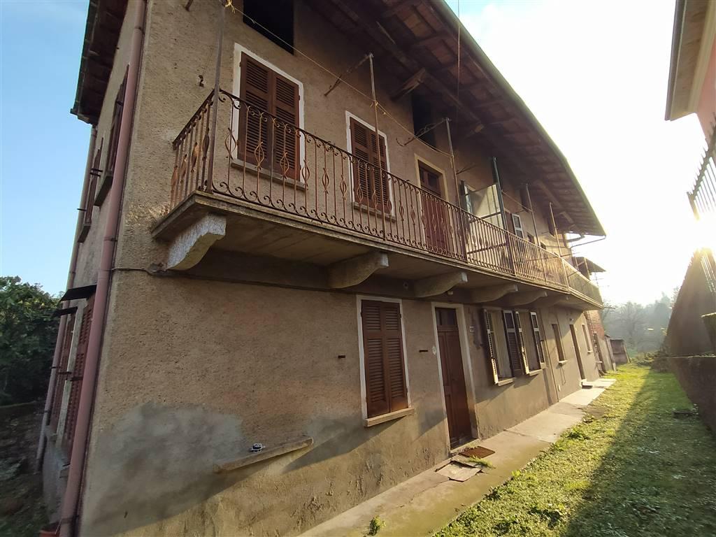 Soluzione Indipendente in vendita a Invorio, 10 locali, prezzo € 74.000   PortaleAgenzieImmobiliari.it