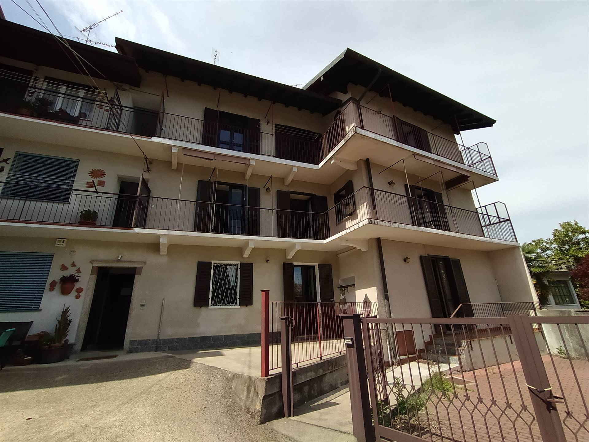 Appartamento in vendita a Invorio, 3 locali, prezzo € 89.000 | PortaleAgenzieImmobiliari.it
