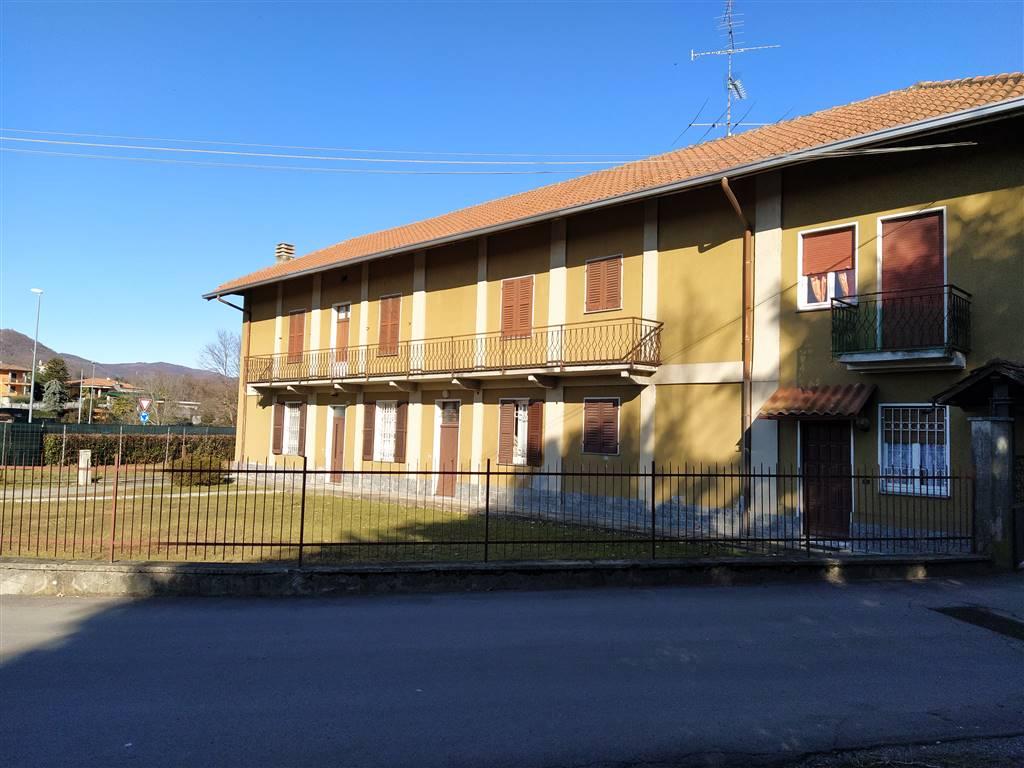 Soluzione Indipendente in vendita a Invorio, 12 locali, prezzo € 175.000 | PortaleAgenzieImmobiliari.it