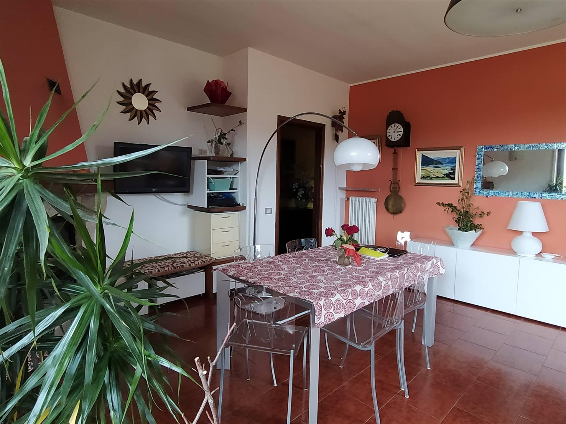 Villa in vendita a Invorio, 8 locali, prezzo € 298.000 | PortaleAgenzieImmobiliari.it