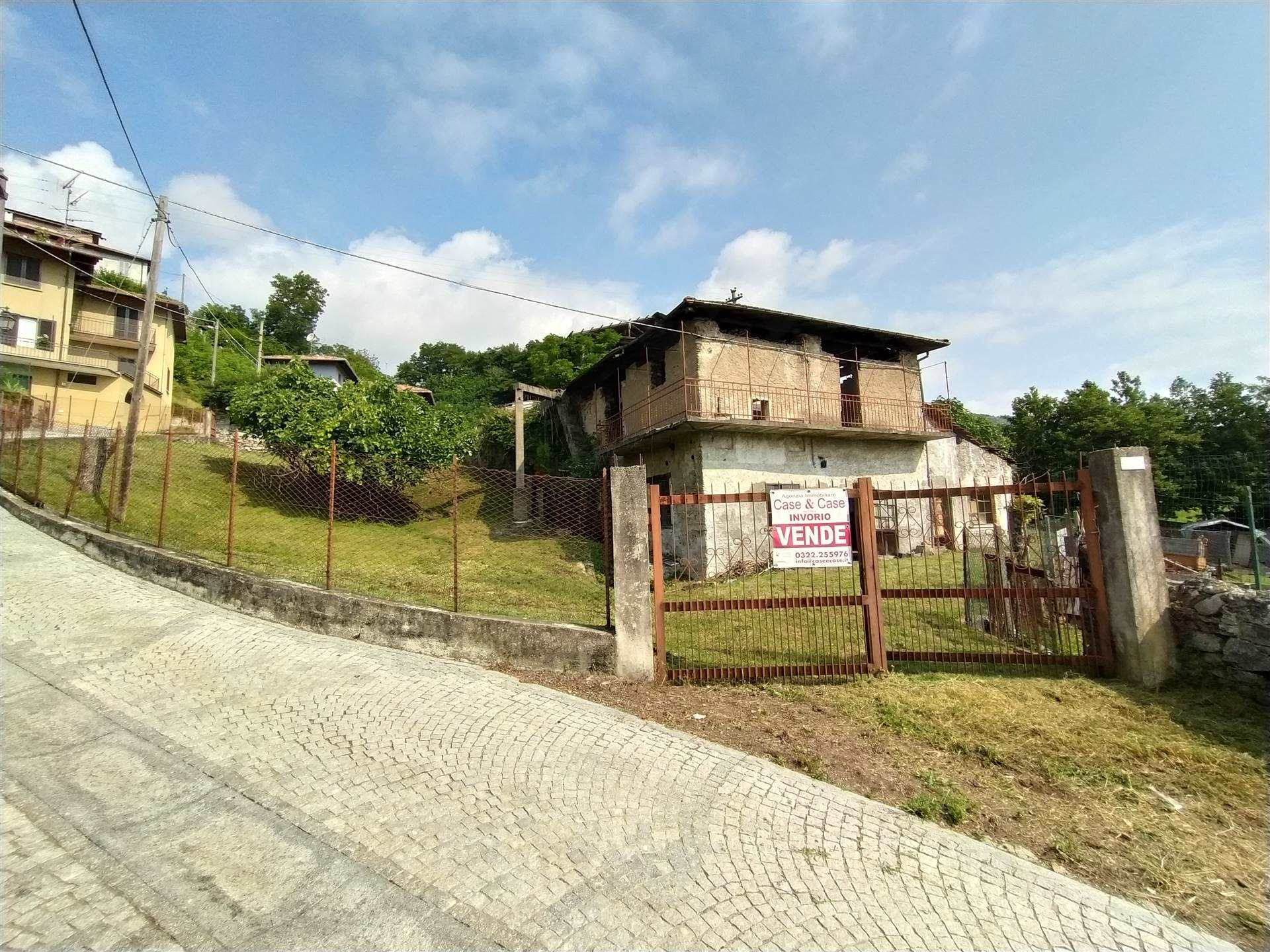 Rustico / Casale in vendita a Meina, 4 locali, zona Località: GHEVIO, prezzo € 90.000 | PortaleAgenzieImmobiliari.it