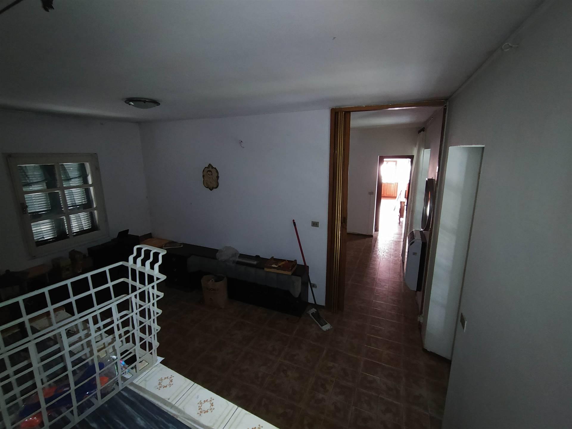 Casa A - uno dei due locali uso camera