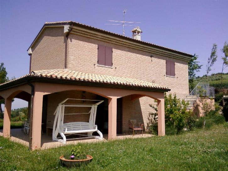 Colonica, Montemaggiore Al Metauro, ristrutturata