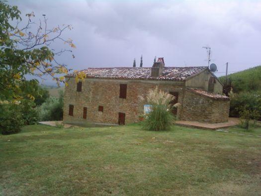 Colonica, Cartoceto, ristrutturata