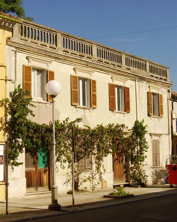 Terratetto, San Costanzo, da ristrutturare