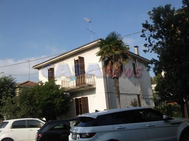 Casa singola, Fano, da ristrutturare