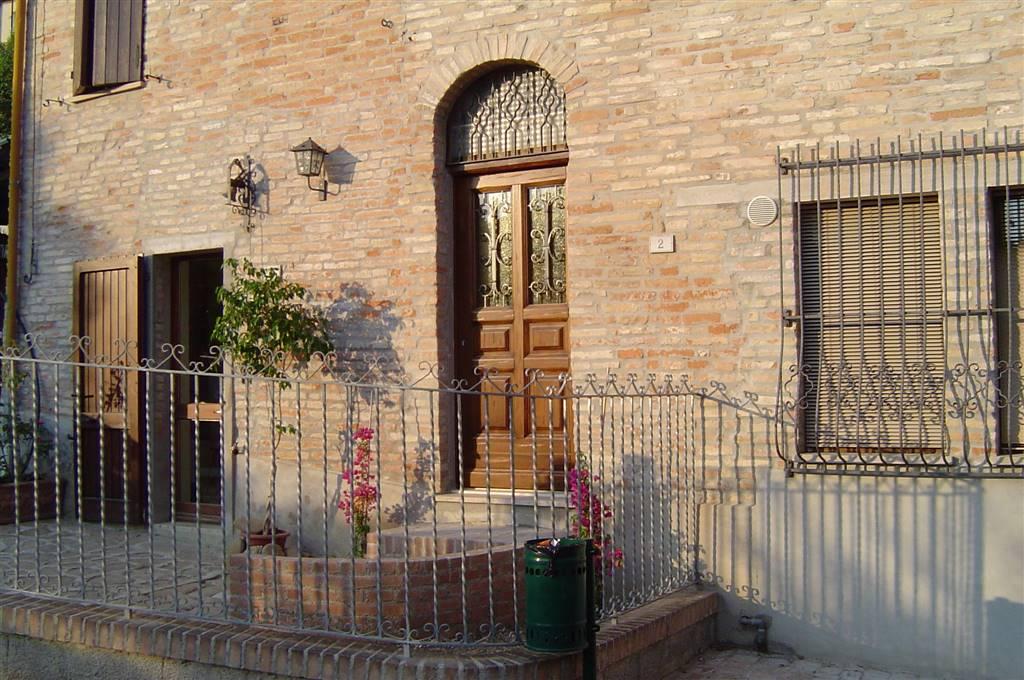 Casa singola, Montemaggiore Al Metauro, in ottime condizioni