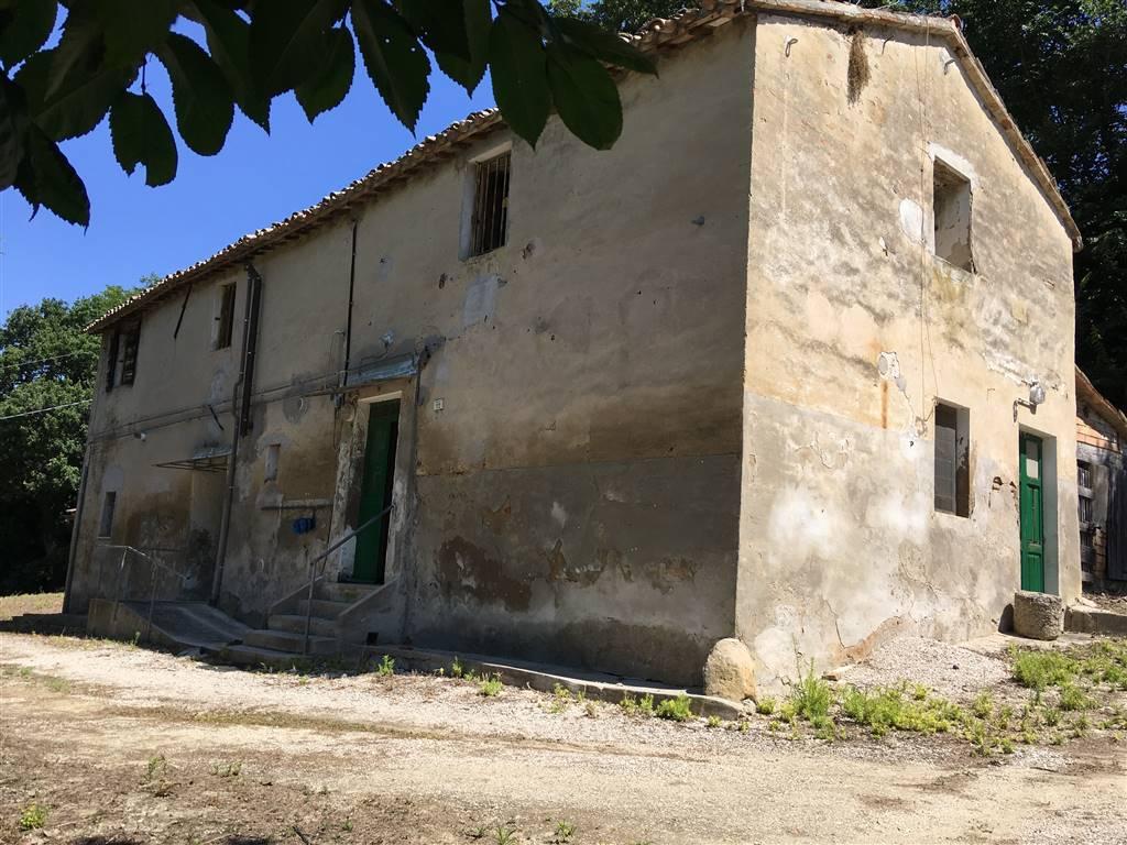 Colonica, Fano, da ristrutturare