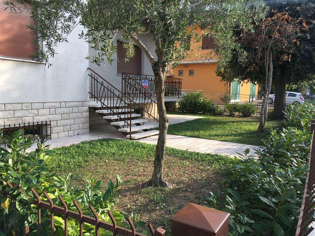 Casa semi indipendente in Della Vittoria 6, Cartoceto