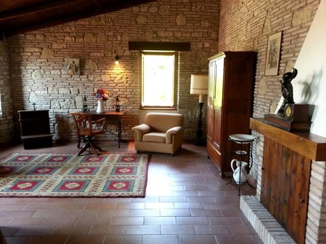 Palazzo in Montesecco, Pergola