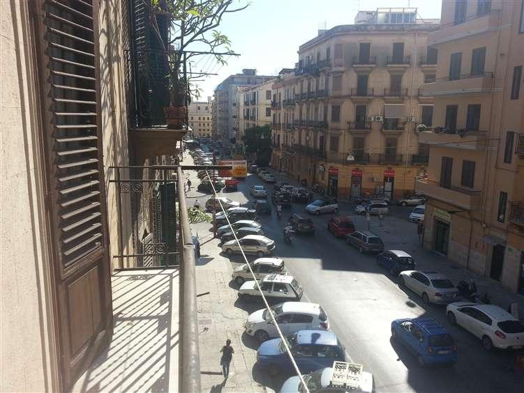 Quadrilocale in Via Salamone Marino 13, Centro Storico, Palermo